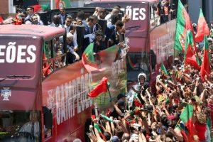 Portugal team arrives Lisbon with Euro   trophy