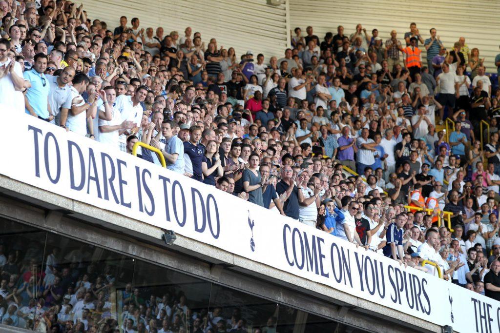 Spurs-fans-2