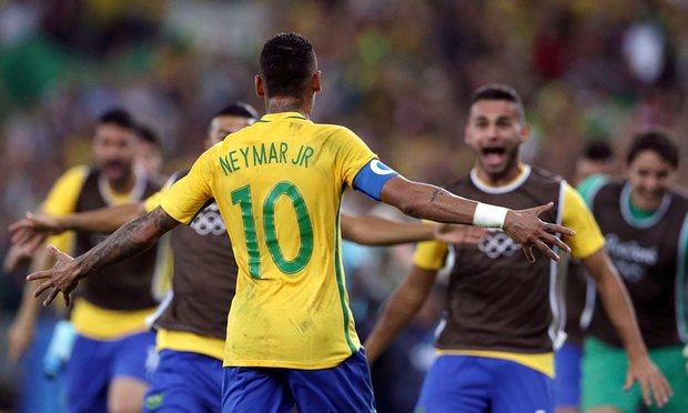 neymar joins celebration