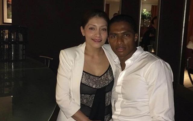 antonio-valencia-with-wife
