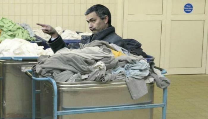mourinho-laundry-bin