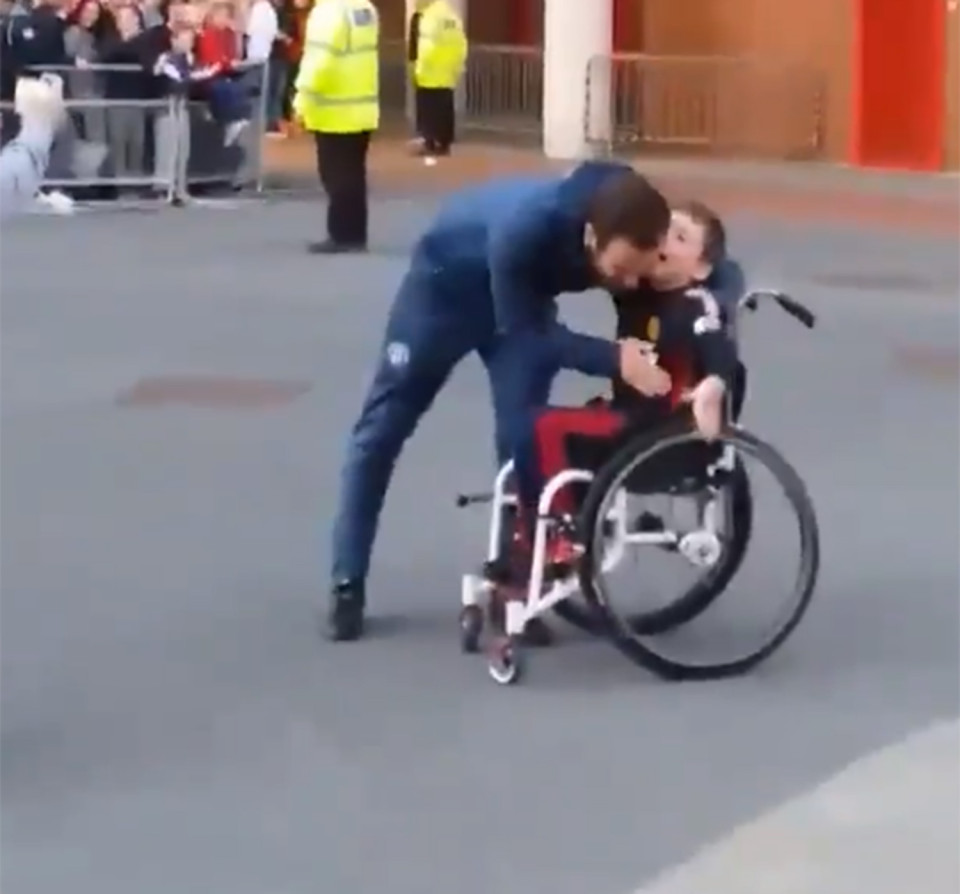 Juan Mata with fan