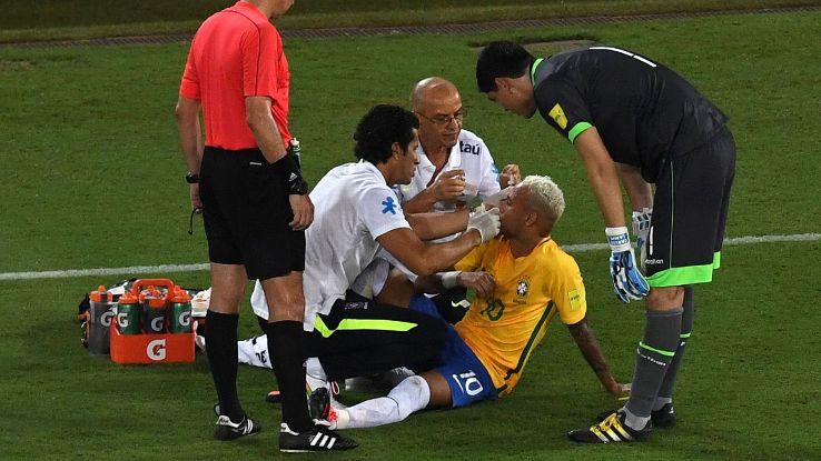 neymar-elbow-bloody-face