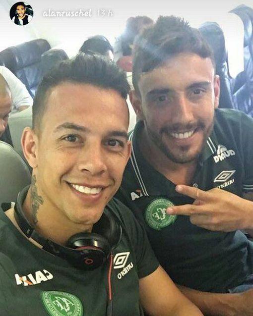 Alan Ruschel (R) & Danilo