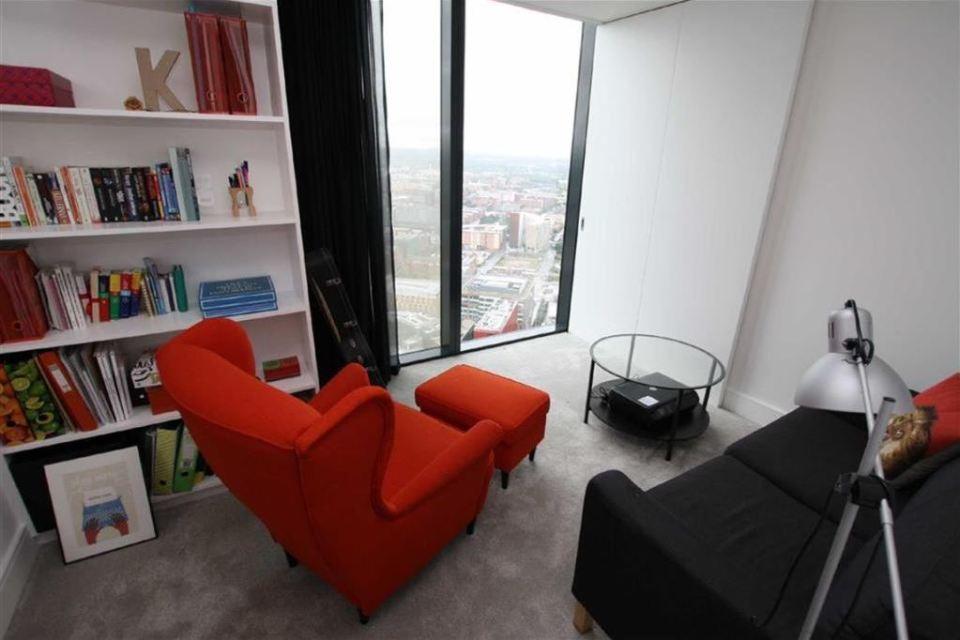 Penthouse Study - Beetham Tower - Photo Courtesy: rightmove.co.uk