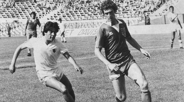Jorge Sampaoli in action for Newell's Old Boys, 1979