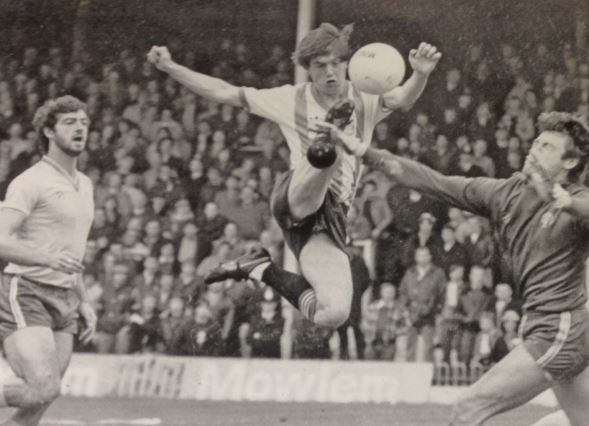 Gary Johnson during his Brentford years. (Courtesy- @twitter, @Beesotted)