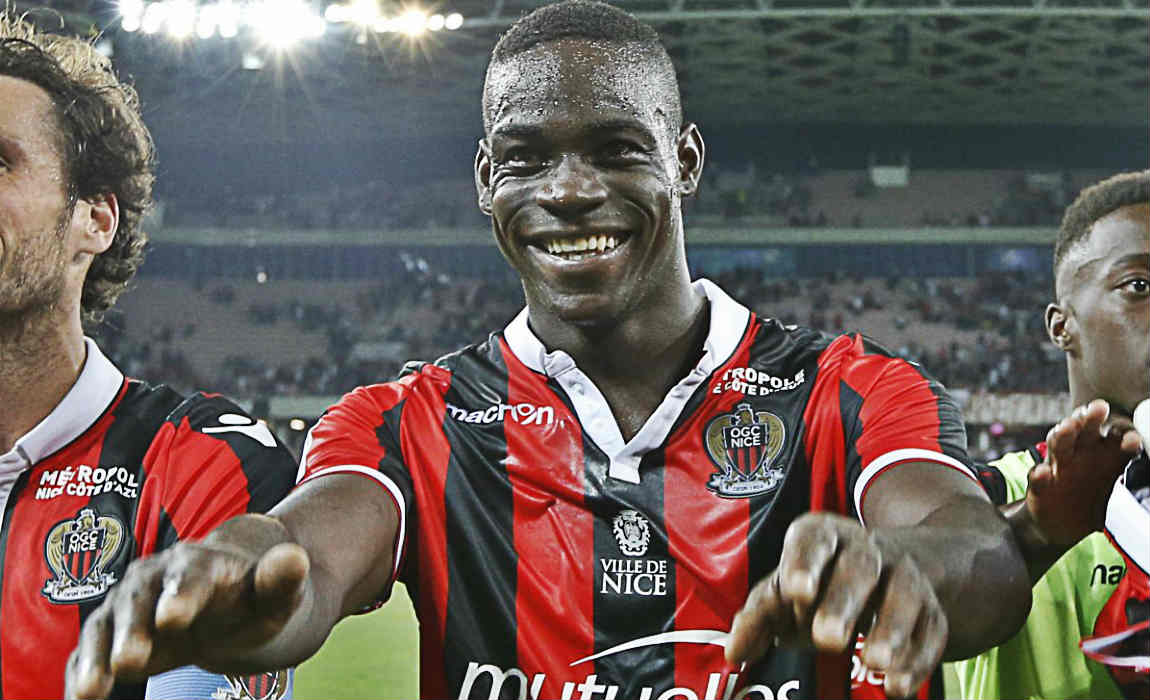 Balotelli Caught Out Chatting Up Busty Model Known As 'Porn Star Without The Porn'