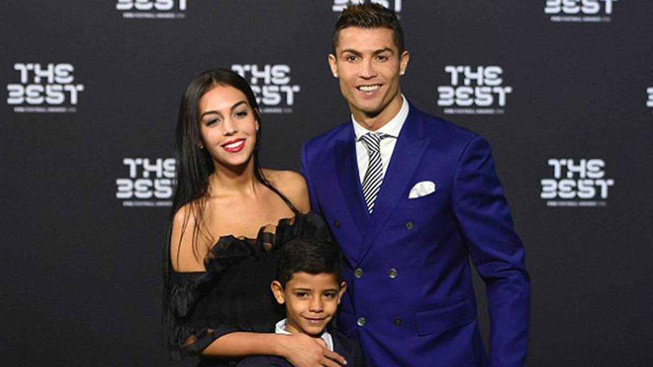 Ronaldo's Girlfriend Georgina Rodriguez Forced To Give Up Job At Prada Due To Increased Paparazzi
