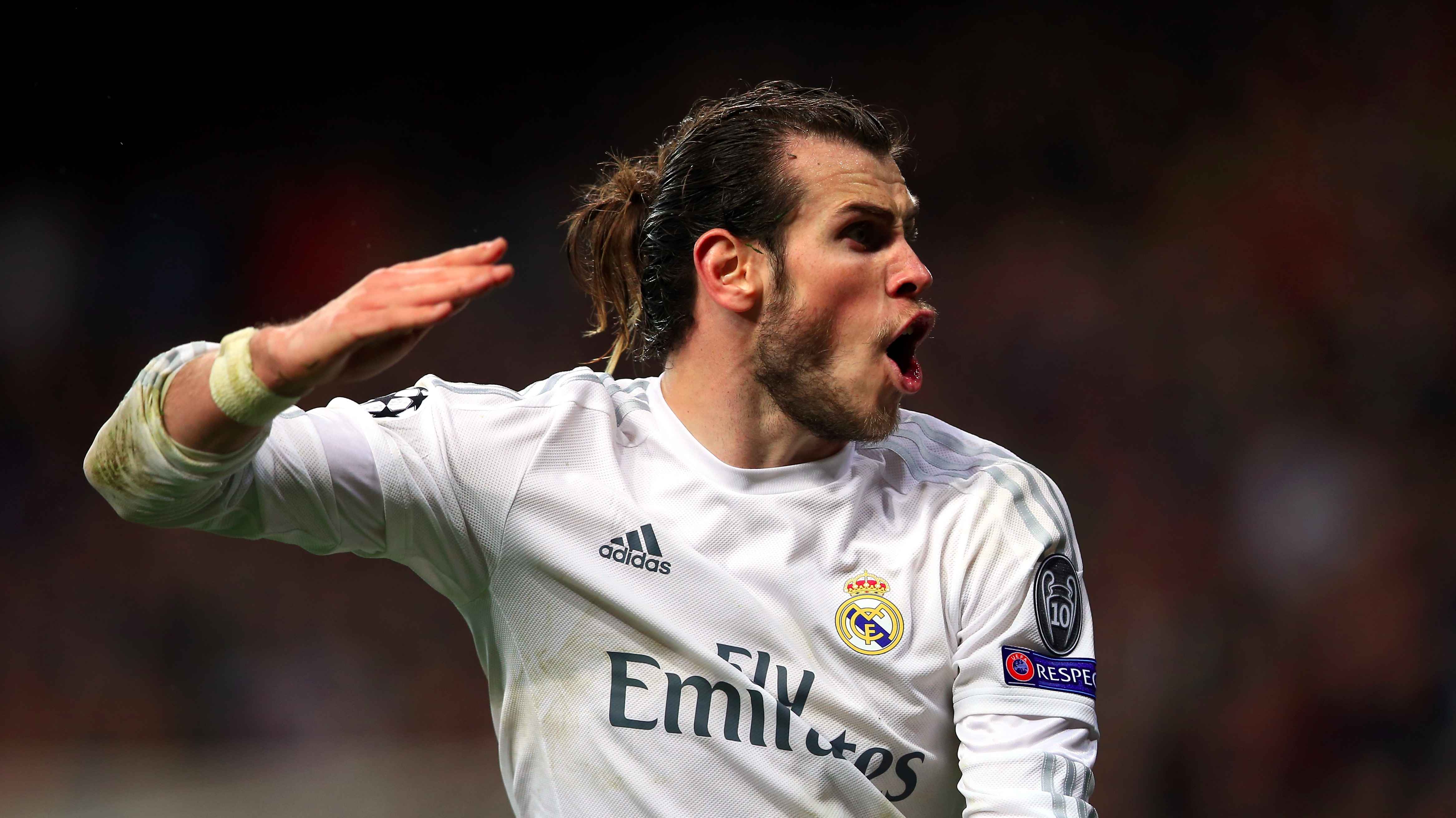 Considering A Hair Transplant As He Is Fed Up Of Using His Man - Gareth bale hairstyle man bun