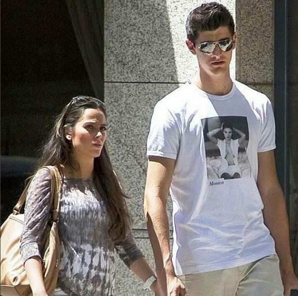 Chelsea Keeper Courtois Confirms Split From Pregnant Girlfriend Dominguez…Which Could Be A Boost To Chelsea