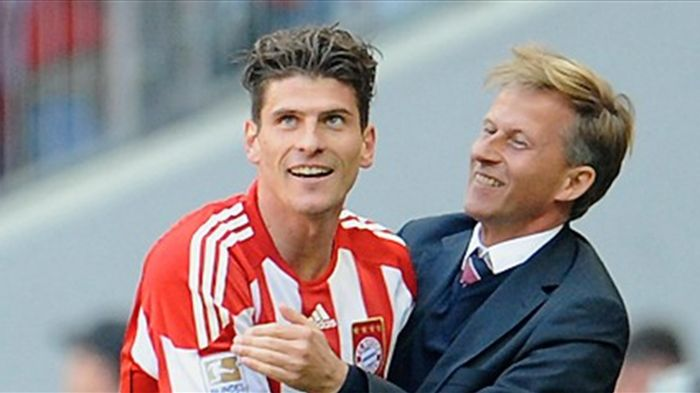 Mario Gomez Maintains Record Of Scoring Under Favorite Coach Andries Jonker