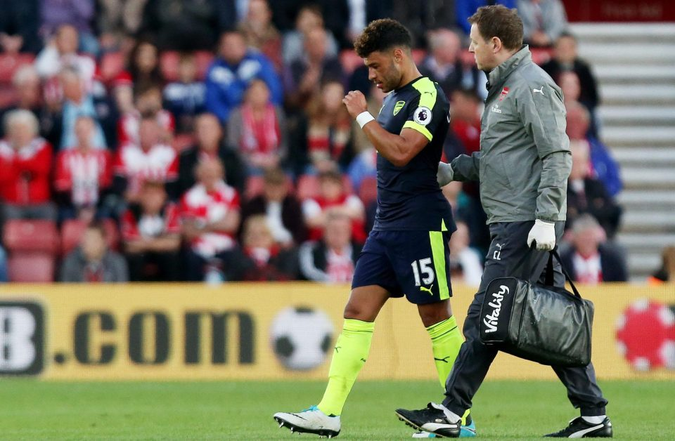 Chelsea Make £25M Bid For Oxlade Chamberlain With Conte Keen To Bolster Blues Squad