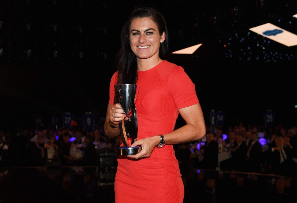 The 33-year old daughter of father (?) and mother(?) Karen Carney in 2021 photo. Karen Carney earned a  million dollar salary - leaving the net worth at  million in 2021