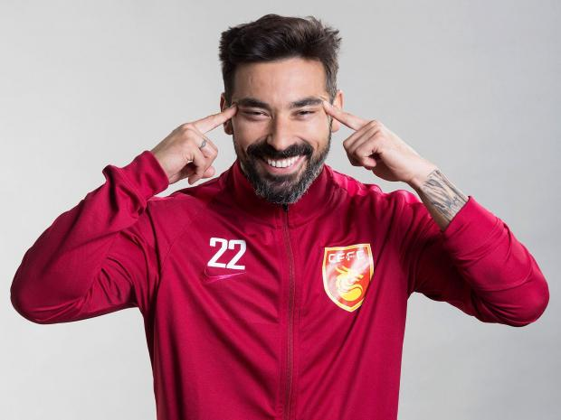 Ezequiel Lavezzi Apologises After Insulting Chinese People