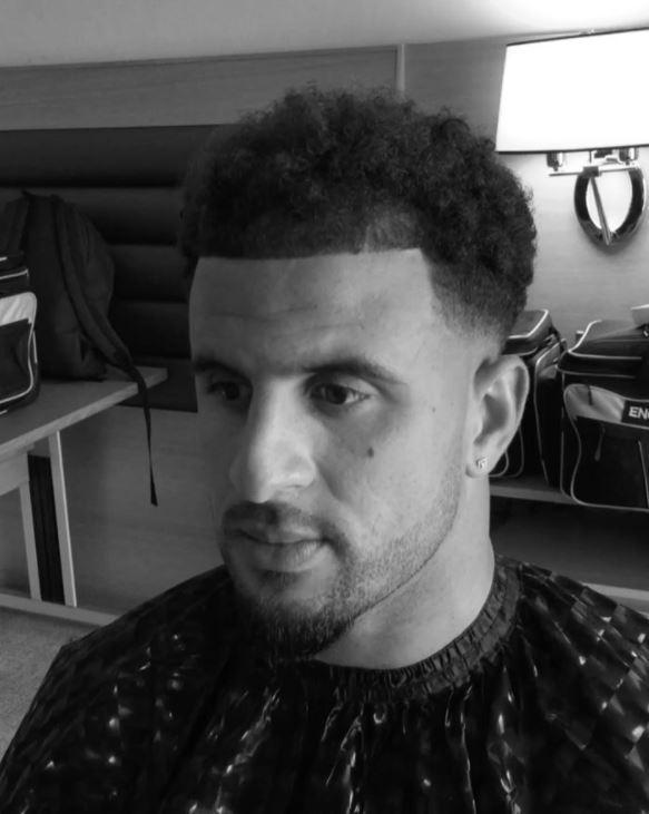 dele flies his barber from england for a trim as he enjoys