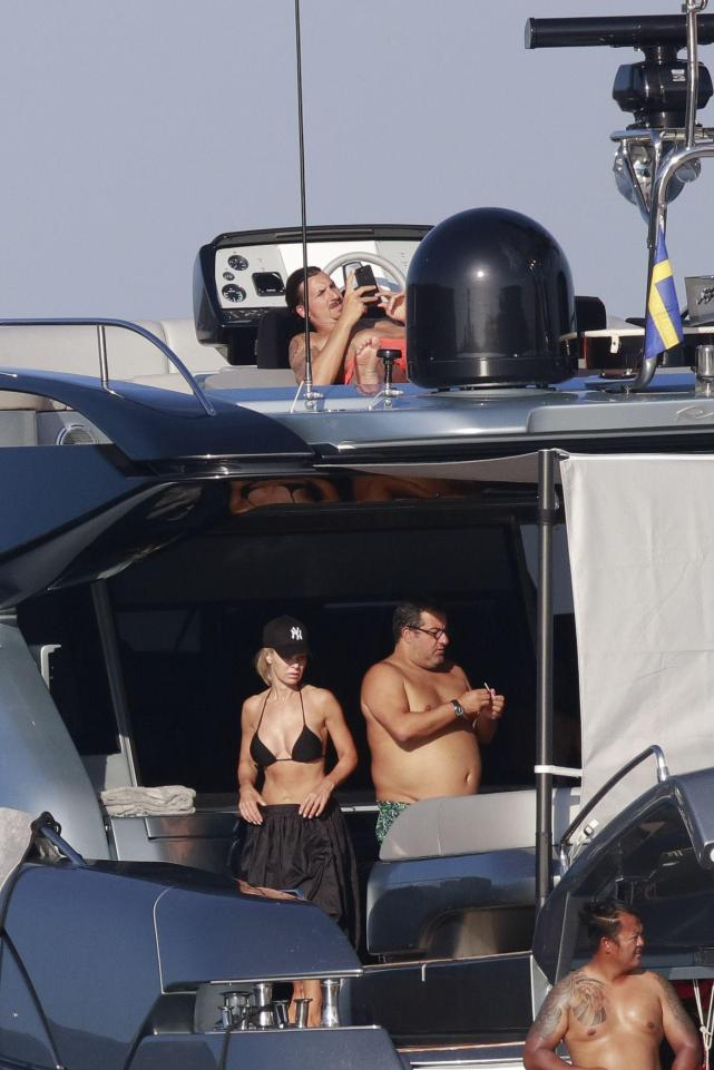 Zlatan Relaxes On His Yacht With Agent Raiola While Man Utd & Milan Fight For His Signature