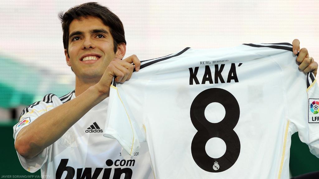 Kaka signs for Real Madrid