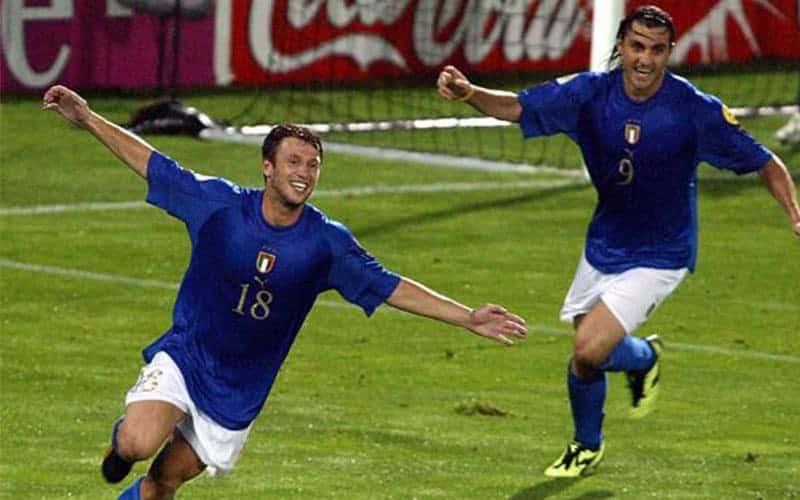 Zlatan's backheel euro 2004