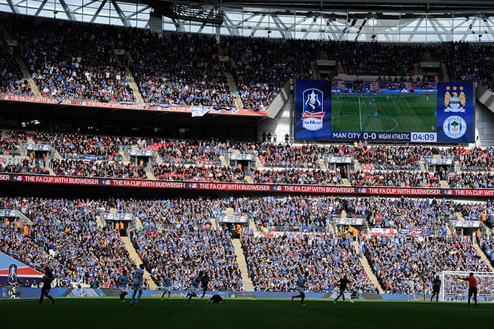 crowd at 2013 FA Cup final
