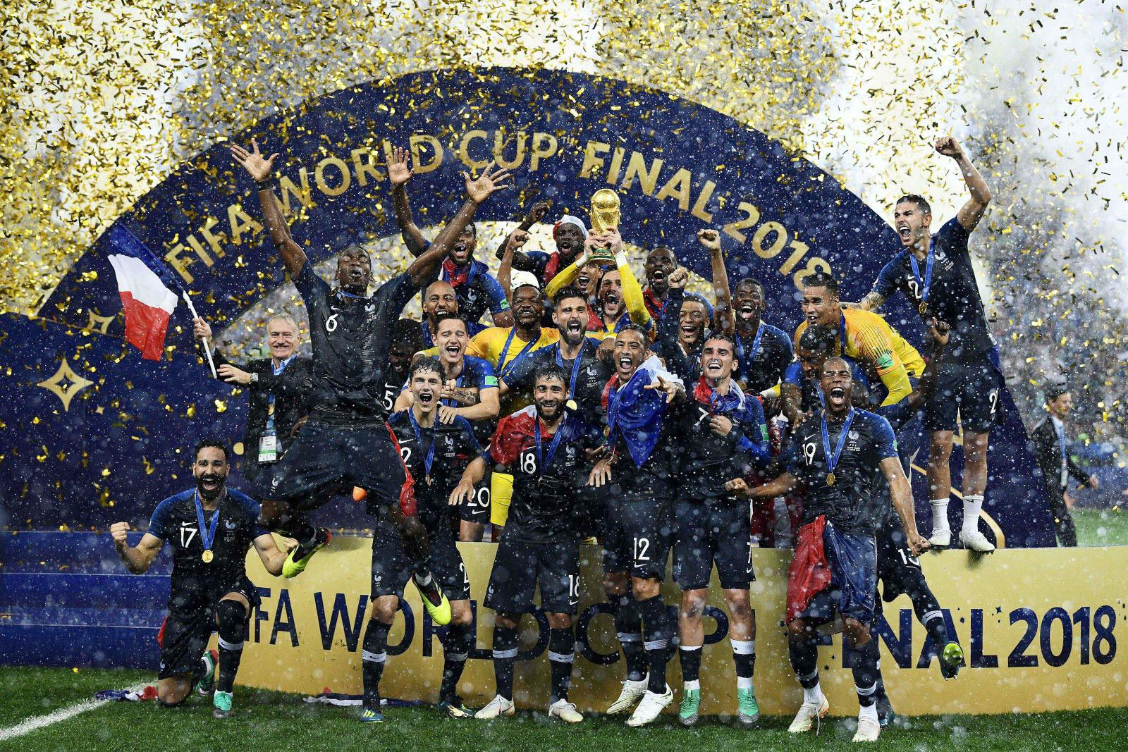 France lifts World Cup
