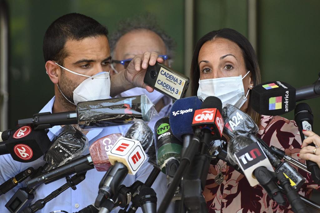 The accused Psychiatrist Agustina Cosachov (right) and psychologist Carlos Diaz treated Maradona before death