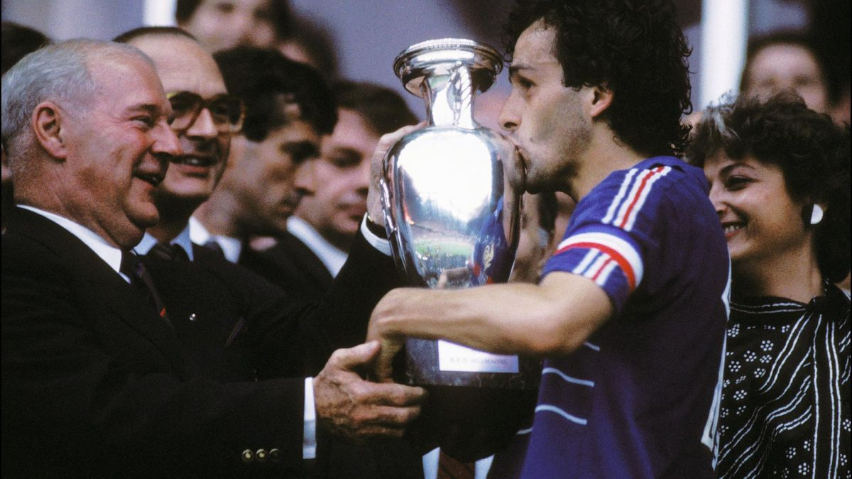 Michel Platini receiving the 1984 Euro trophy