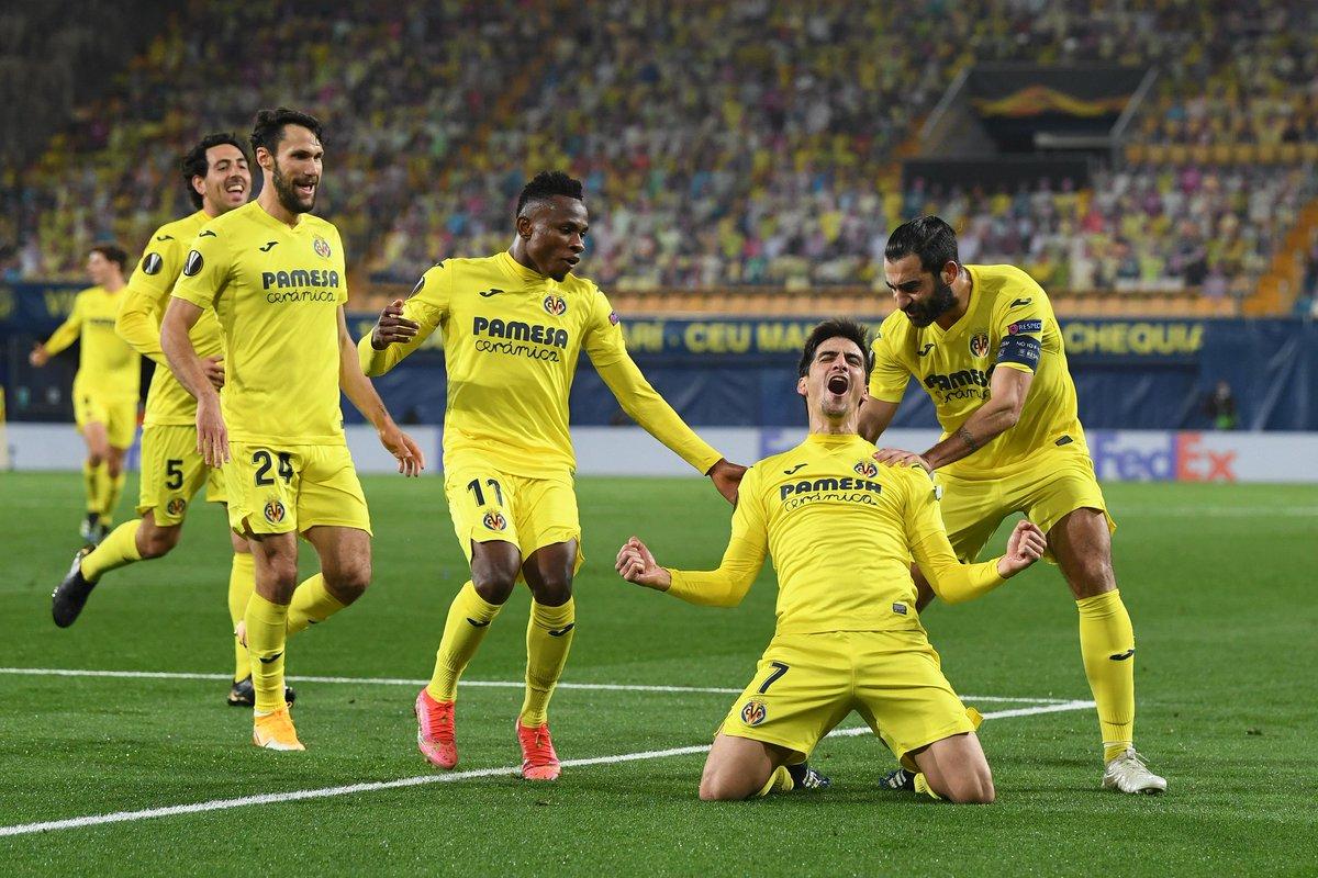 Villarreal celebrating
